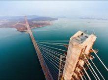 А под мостом - помойка
