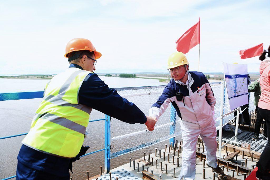 Стыковка моста Россия-КНР