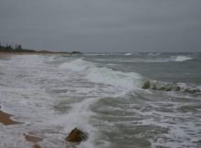 В районе Шумшу спасатели ищут пропавшего рыбака 7