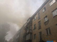 В Южно-Сахалинске сгорела крыша дома №297 наулице Ленина 11