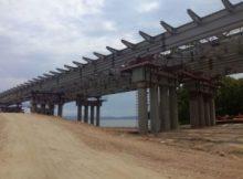 Кожемяко выделяет деньги на строительство многострадального моста 6